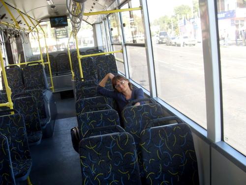 Я в троллейбусе.