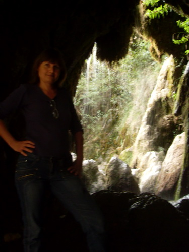 Грот в водопаде Су-Учхан
