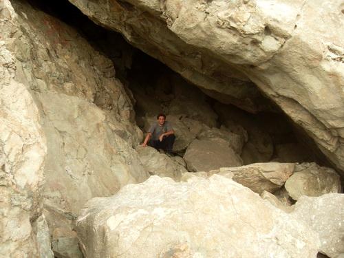 Пещера недалеко от пос. Малореченское.