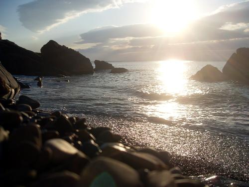 Предвечернее солнце над морем