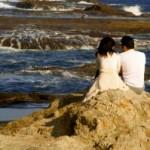 Она и Он у океана